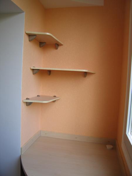 Идеи полок на балконе своими руками.