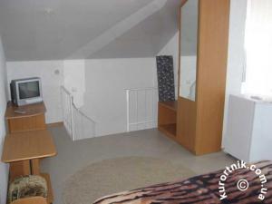 Фото  Дуплекс (2 комнаты в 2-х уровнях)