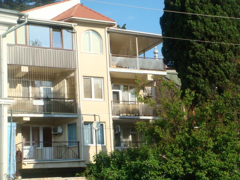 Фото  02 КОКОС Ялта аренда частный сектор, Апартаменты