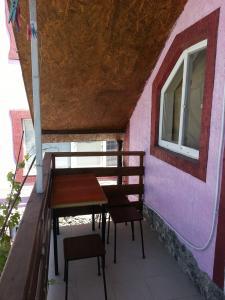 Фото Двух этажный домик в частном секторе.  Не дороге жилье рядом с морем.