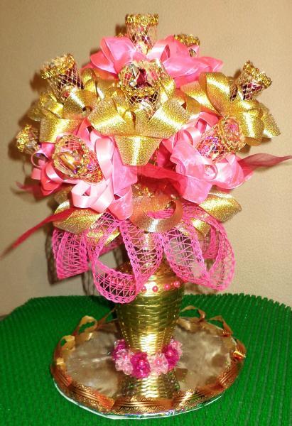 Ваза для цветов из конфет