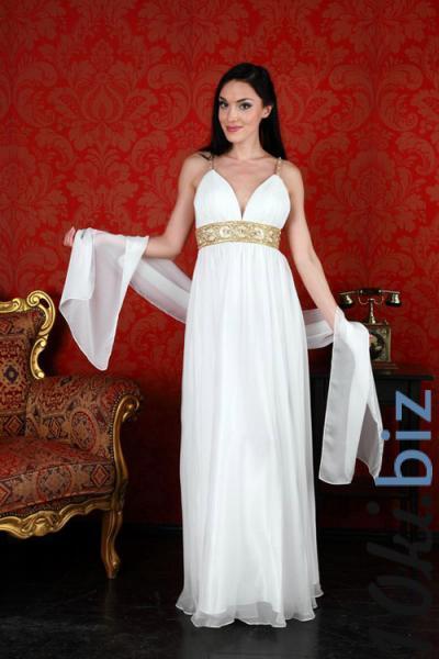 Легкое, воздушное свадебное платье из шелка на нежной атласной основе с глубоким декольте