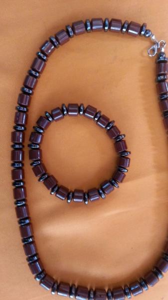 Турмалиновые бусы и браслеты