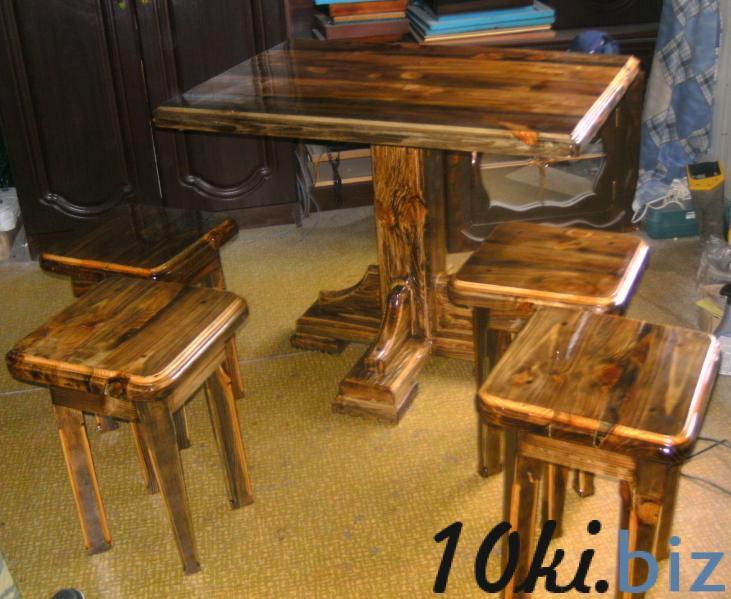 Кухонная мебель. стол и 4 табуретки ручной работы.