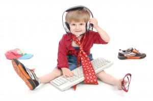 Фото Допитливим дошкільнятам (5-6 років) та  шкільним мрійникакм (6-8 років) Гра на фортепіано (синтезатор)