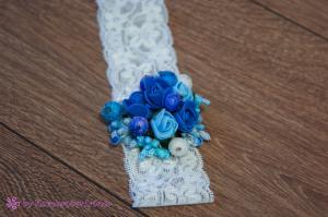 Фото Повязки, заколки, резинки, гребни, шпильки и др. аксессуары для волос Повязочка на голову с синими и голубыми розочками