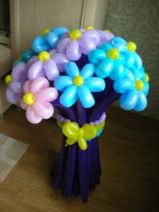 Фото Цветы из шариков букет из 15  цветков