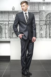 Фото Костюмы Классический костюм темно-серого цвета.