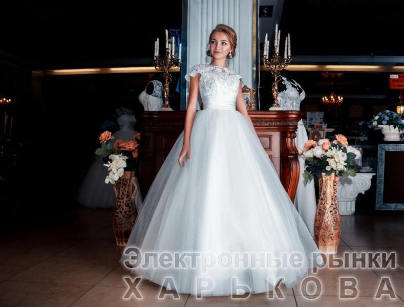 Свадебное платье Диана (с фатиновой юбкой)