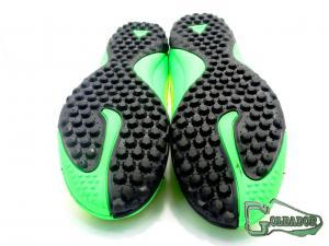 Фото ФУТБОЛЬНАЯ ОБУВЬ, СОРОКОНОЖКИ (МНОГОШИПОВКИ) Сороконожки (многошиповки) Nike Hypervenom Phelon (0275)