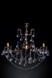Фото Бронзовые люстры с хрустальными подвесками Бронзовая люстра с хрустальными подвесками