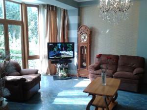 06 Аренда Ялта: 2-х комнатные апартаменты с отдельным входом и большой террасой