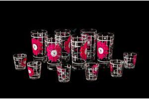 Фото Наборы из 12-13 изделий, Декорированные, Шелкография Набор из 12 предметов: стакан, стопка. Розовые герберы