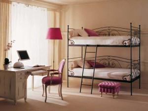 Фото  Двухъярусные кровати