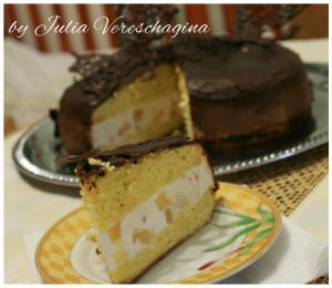 Нежность.Бисквитные ванильные коржы, творожно- сливочное суфле с добавлением ананасов.