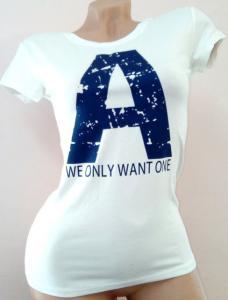Фото  Женская футболка