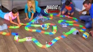Фото Детские игрушки ДЕТСКАЯ ИГРУШЕЧНАЯ СВЕТЯЩАЯСЯ ДОРОГА MAGIC TRACKS