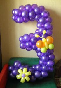 Фото Композиции из шаров , цифры и буквы цифра