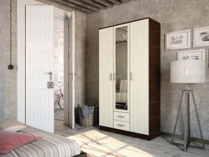 Фото Розница, Шкафы Шкаф 3-х дверный с выдвижными ящиками и зеркалом