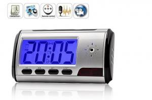 Фото Шпионская мини видеокамера Настольные часы со встроенной видеокамерой и детектором движения