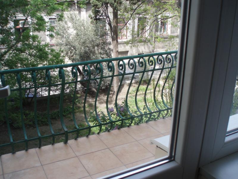 Фото  39  Аренда Ялта: 1 комнатные двухуровневые  апартаменты ( студия  ) рядом с Набережной ул Свердлова