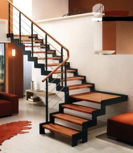 Фото  Изготовление лестниц из металла