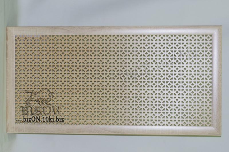 Фото Решетки ПВХ и Экраны МДФ для радиаторов отопления и декора Декоративный экран на батареи «АЛЬФА» из перфорированного МДФ, цвет – САНОМА (светлое дерево)