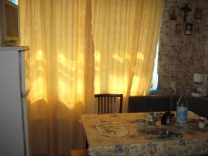 Фото Феодосия, Дома и номера, Дома и номера эконом класс Феодосия, р-н порта, 7-10 мин до моря