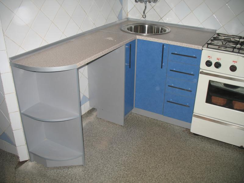 Кухня угловая маленькая 2