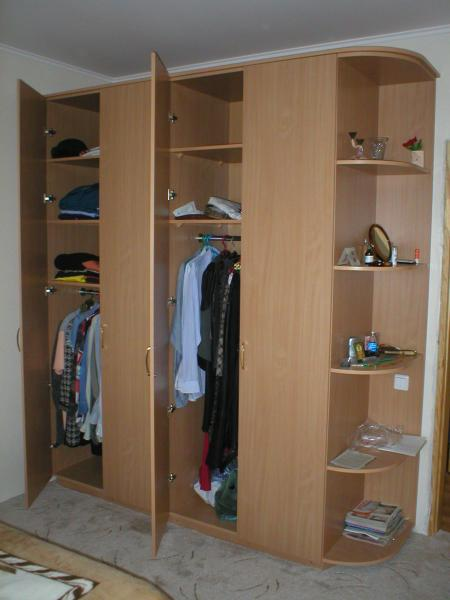 Недорогой шкаф