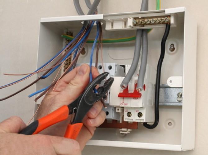 Укладка електрического кабеля