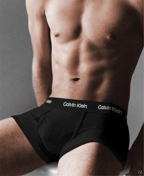 Трусы Calvin Klein боксёры серия 365 чёрного цвета с чёрной окантовкой