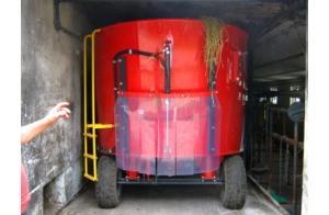 Фото Сельскохозяйственная техника   METAL-FACH, Миксеры Кормораздатчики T 659 STANDART 5,6,7 m3