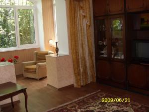 Фото Квартиры, Двухкомнатные квартиры 2х комнатная квартира в Ялте в центре на Садовой. №5
