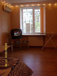 Фото Квартиры, Двухкомнатные квартиры 2х комнатная квартира в Ливадии с двором. №4
