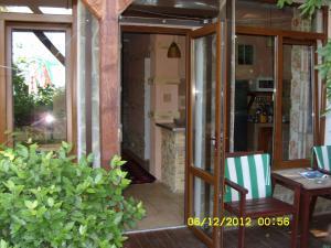 Фото Квартиры, Однокомнатные квартиры Однокомнатная квартира с двориком в Ялте. № 56