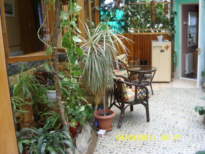 Однокомнатная квартира в Ялте с двориком. №73