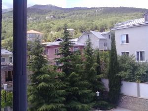 Фото Дома Дом  с двором и бассейном - 3х этажный. №64