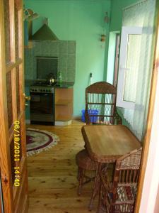 Фото Квартиры, Однокомнатные квартиры Однокомнатная  квартира - домик ,в центре. №76
