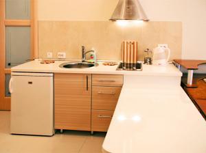 Фото Квартиры, Однокомнатные квартиры Однокомнатная квартира - студия на набережной, в тихом месте. №78