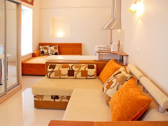 Однокомнатная квартира - студия на набережной, в тихом месте. №78