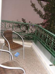 Фото Частный сектор. Двухкомнатный дом - коттедж с двором и мангалом в центре.  № 88
