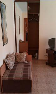 Фото Квартиры, Однокомнатные квартиры Однокомнатная квартира в центре на ул. Московской на пару или семью. № 91