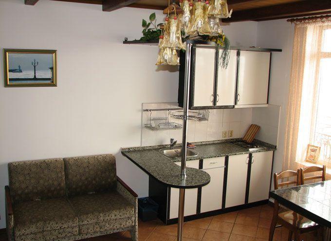 № 1033.  ~ Сдам в аренду  2х. квартиру с видовой террасой,  на 4 чел.  ул. Щепкина.