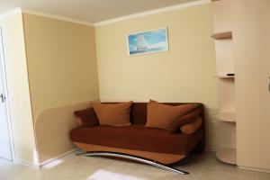 5. Персиковый номер (цокольный этаж)