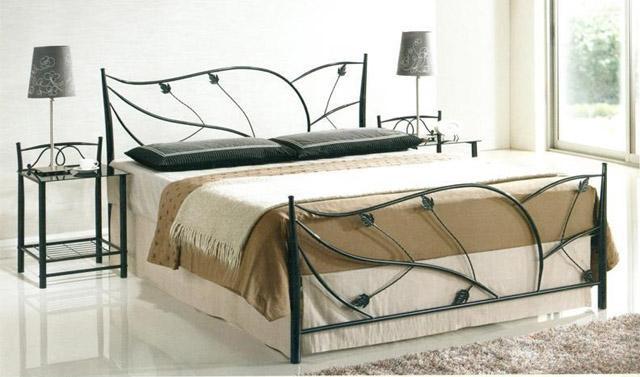 Кованая мебель на заказ: кровати, столики, стулья, полки для обуви, вешалки, рамки для зеркал Житомир