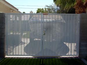 Фото  Ворота, двери, рольставни любых видов. Перегрузочное оборудование.