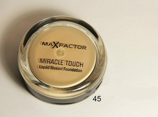 Крем-пудра для лица Miracle Touch Max Factor №40-55