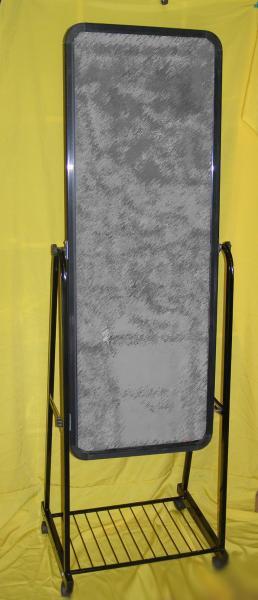 Зеркало на роликах ( Китай) 36 см.