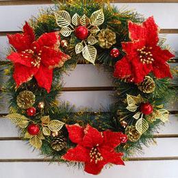 Новогодний венок 40 см с красными и золотыми украшениями
